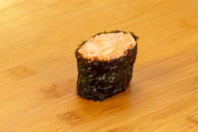 Гункан с лососем - Доставка суши и роллов в Омске, Мистер-Крабс, 21 Амурская, 16